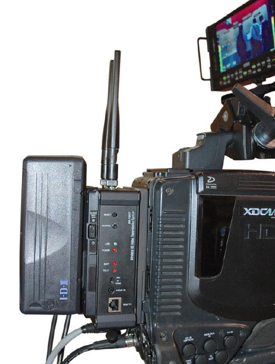 B_0213_Airwaves-HD_Transmitter_V-Mount
