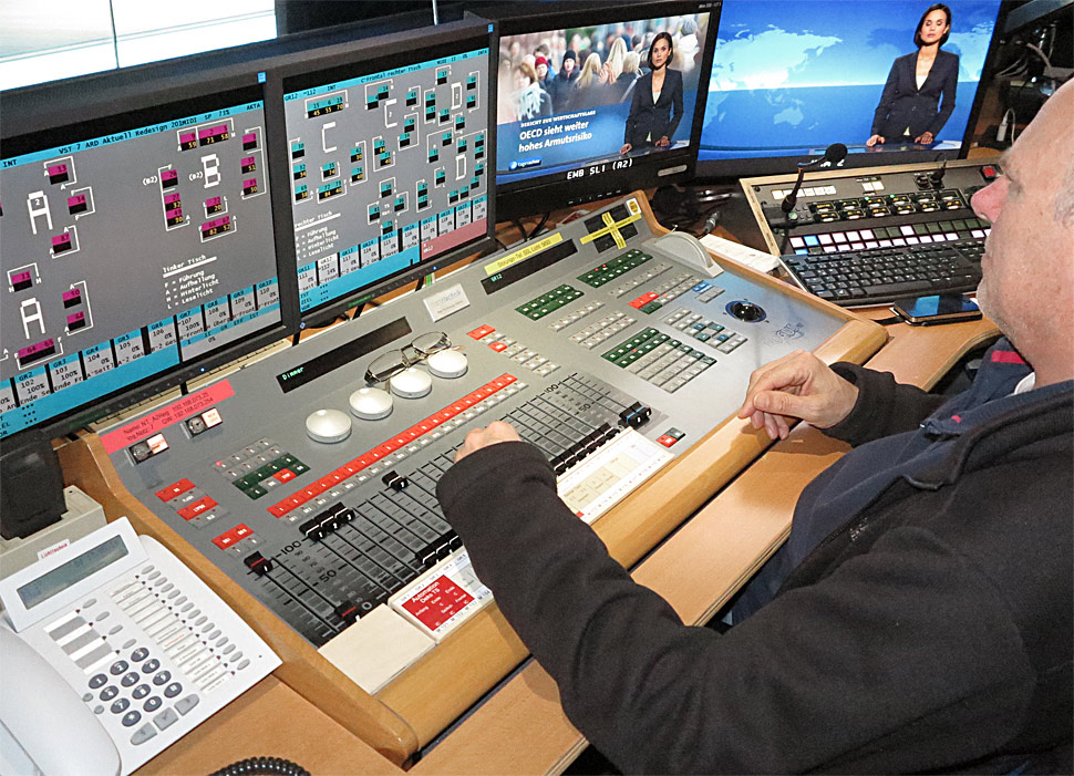 B_0514_TS_ARD_HR_Lichtpult