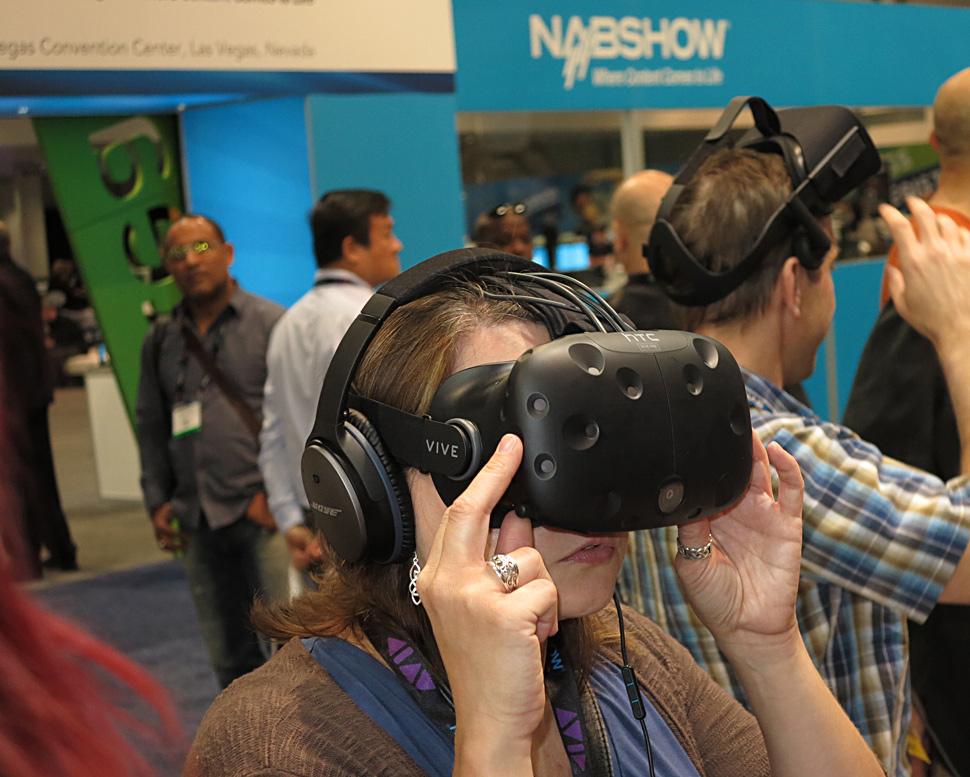 B_NAB16_Nokia_VR_Glass_2