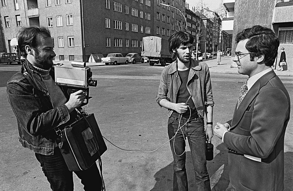 B_0719_Glockenbach_HAL_004_Kamera_Interview