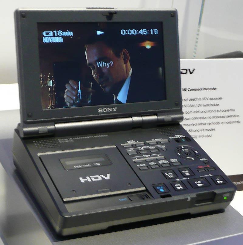 B_IBC07_Sony_HDV_Walkman_1