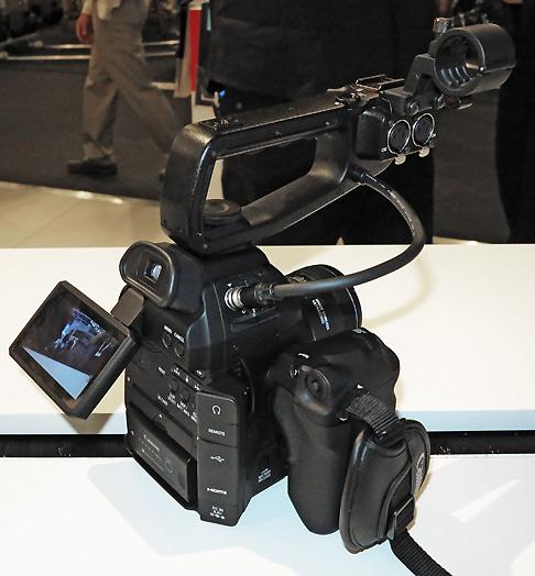 B_IBC12_Canon_C100_2