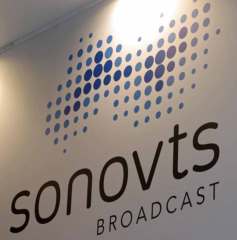 B_IBC13_SonoVTS_Stand_Logo