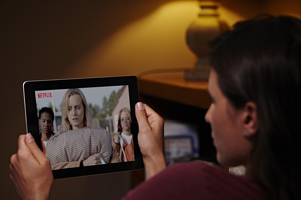 B_1114_Netflix_Tablet