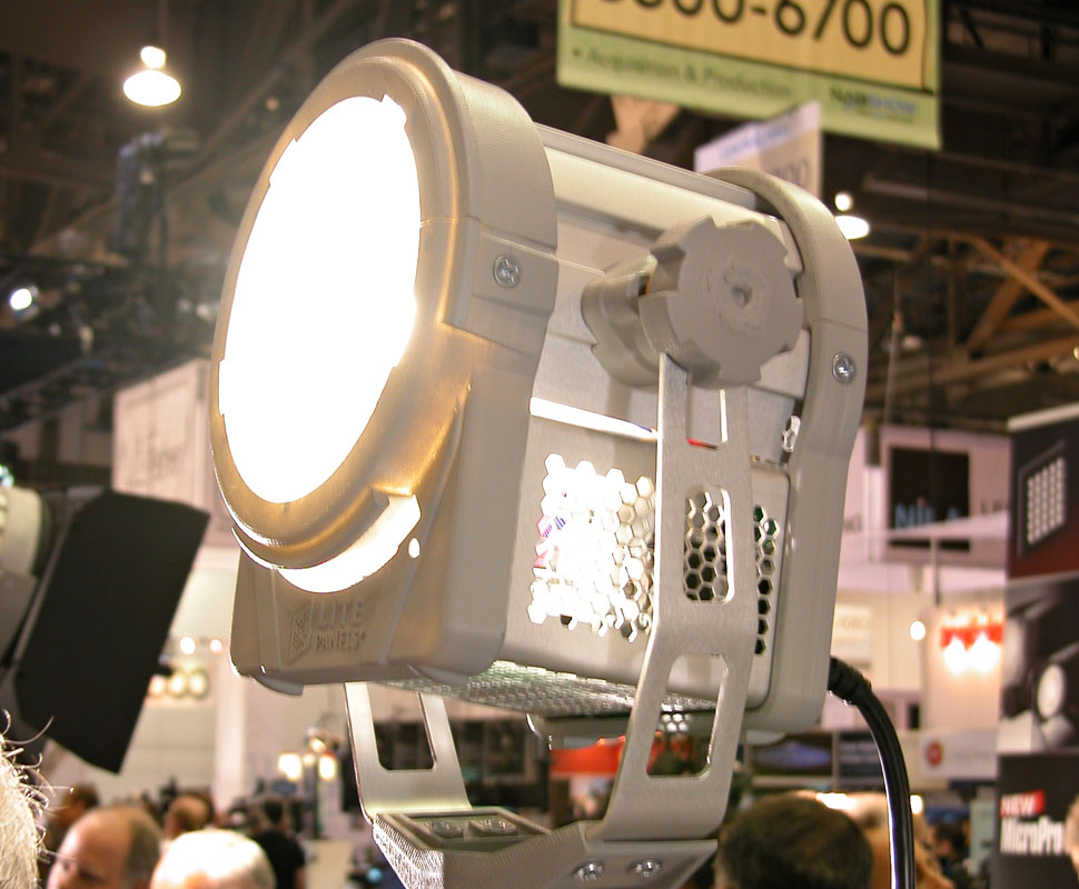 B_0610_A_Litepanels