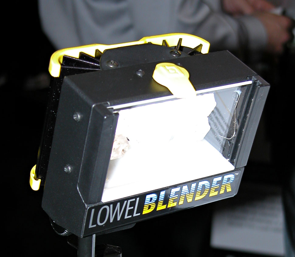 B_0610_Lowel_Blender