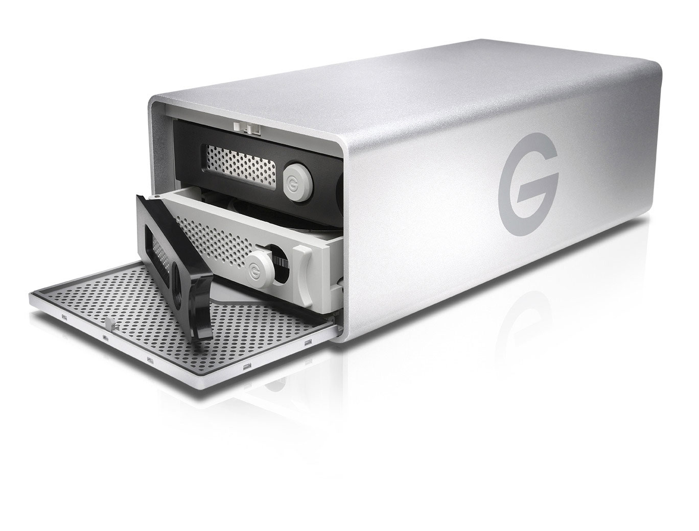 B_0614_G-RAID_disks