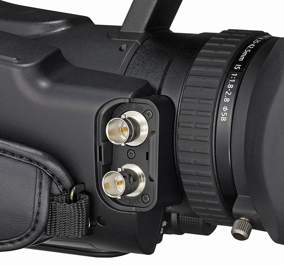B_0810_Canon_XF105_Buchsen