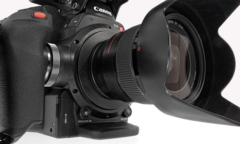 B_1015_Canon_C300_D_Front