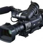 JVC: Zwei neue Schultercamcorder der 800er-Serie