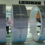 Creative Technology: Messe-Installation mit 210 Barco-LED-Modulen