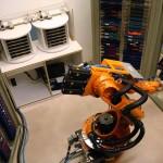 RTSI investiert in Archivroboter Adam