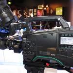 IBC2014: Panasonic stellt den Schultercamcorder AJ-PX800 vor