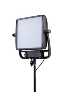 Stufenloses Dimmen des LED-Panel ist ebenso möglich wie der Betrieb mit Tages- oder Kunstlicht.