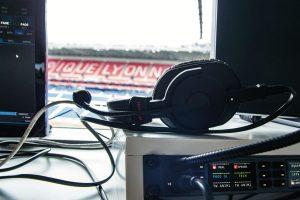 B_0616_OL_Lowres_Headset