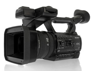 Camcorder Sony PXW-Z150, Totale von links vorn