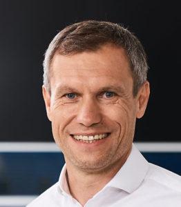 Mike Henkelmann, Samsung, Porträt