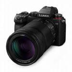Kompaktes Panasonic Lumix S 70-300mm Telezoomobjektiv