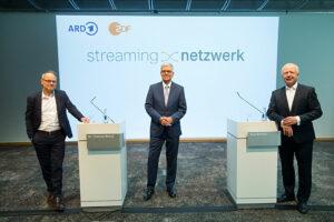 ©ZDF/Ralph Orlowski, SWR-Intendant Prof. Kai Gniffke, ZDF-Intendant Dr. Thomas Bellut und ARD-Vorsitzender Tom Buhrow, Mediathek